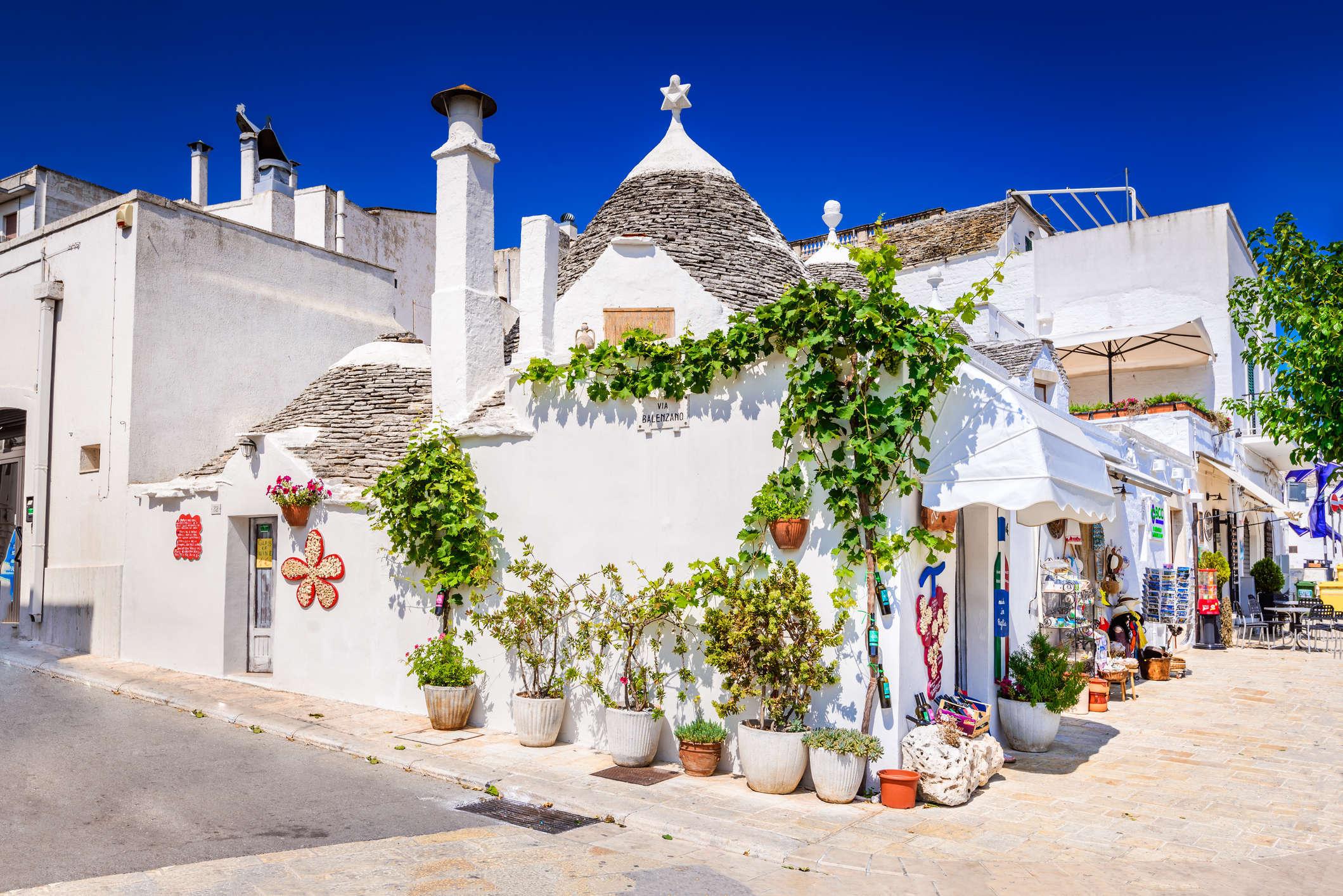 5° giorno: Brindisi - Ostuni - Alberobello